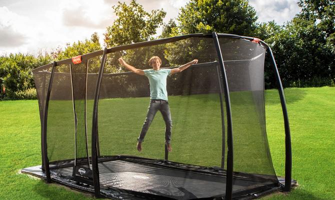 inbouwtrampoline-verschil-tussen-een-inground-of-flatground-trampoline
